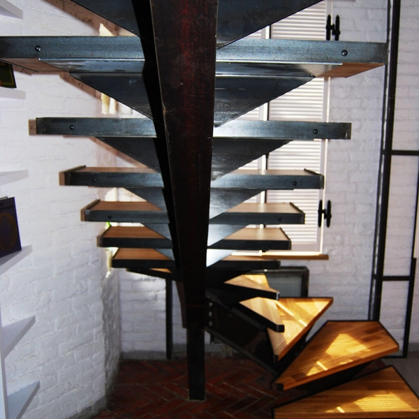Косоуры для лестниц из металла своими руками 402