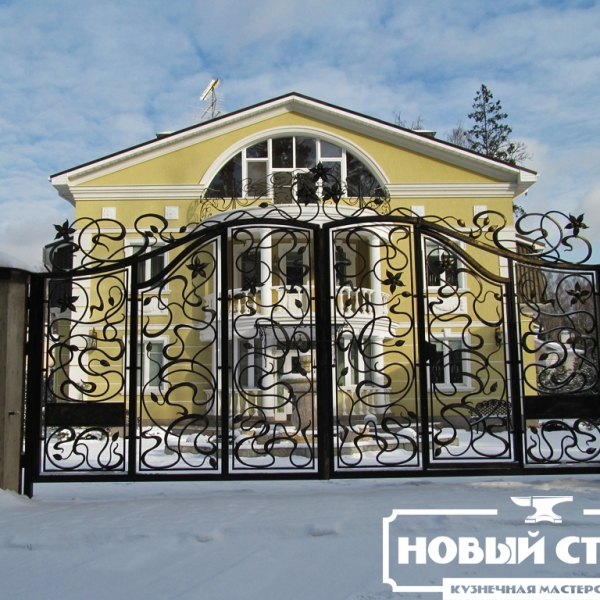 Кованые ворота со встроенной калиткой