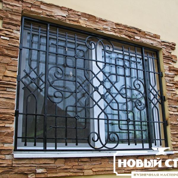 Классическая решетка на окно